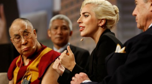Творчество Леди Гаги запретили в Китае после ее встречи с Далай-ламой