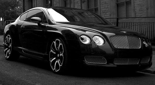 В Питере у пенсионерки угнали Bentley