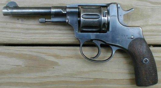Руслан Кулекбаев хранил у себя револьвер образца 1895 года