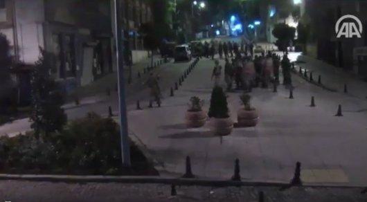 Видео захвата администрации Стамбула впроцессе мятежа разлетелось посети
