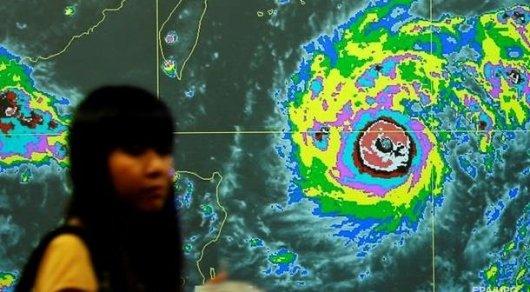 Мощный тайфун приближается к Японии