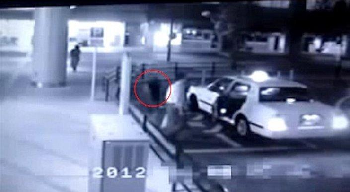 Пассажир-призрак попал в камеру наблюдения в Японии