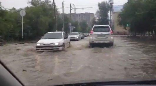 В городе Кандыагаш Актюбинской области из-за подтоплений объявили режим ЧС