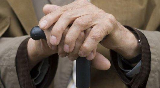 В Костанае у потерявшего сознание пенсионера из кармана украли 20 тысяч тенге