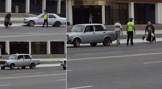 Полицейский помог пожилой женщине остановить такси в Актау