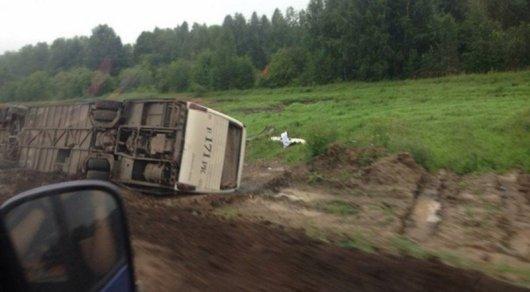 Автобус с пассажирами перевернулся по пути в Усть-Каменогорск