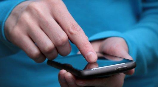 В Кызылординской области тоже предложили запретить смартфоны в школах