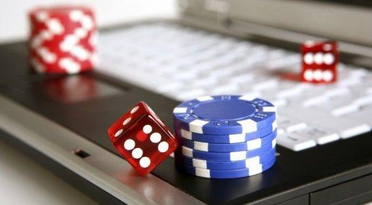Суд запретил работу 30 сайтов с интернет-казино в Казахстане
