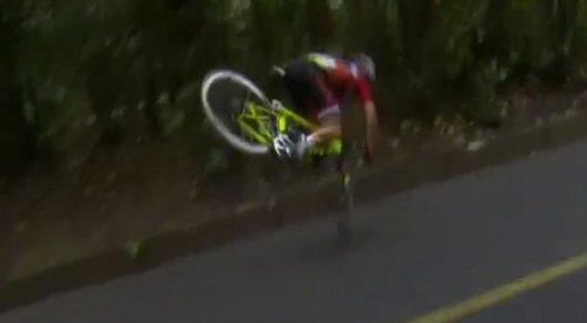 Олимпиада-2016: Велосипедистка изНидерландов впроцессе высокоскоростной гонки сломала позвоночник