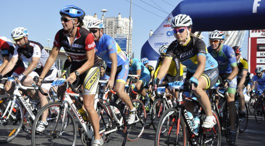 На старт велогонки Tour Of World Class Almaty 2016 вышло около 600 человек