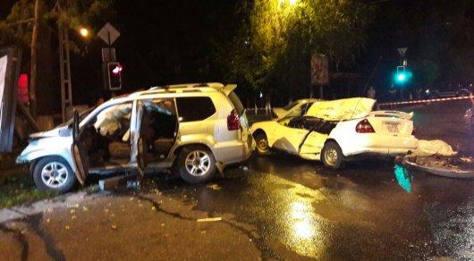 Молодой водитель внедорожника Lexus устроил массовое ДТП в Алматы: есть жертвы