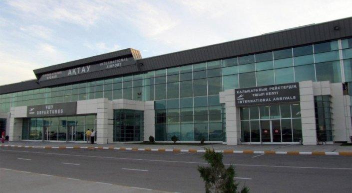 Аэропорт Актау перестал принимать рейсы из-за срочного ремонта взлетно-поса ...