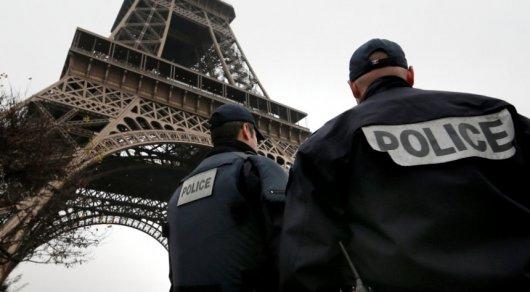 Группа женщин собиралась  устроить взрыв уЭйфелевой башни встолице франции