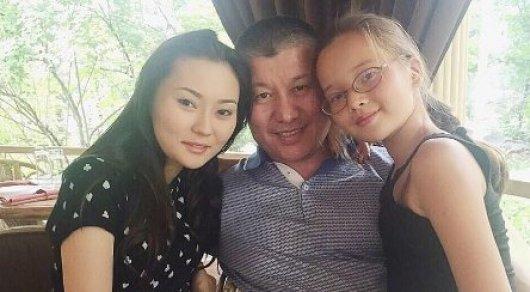 Взрослая дочь дала отцу видео