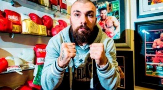 Шотландский боксер Майк Тоуэлл умер в больнице после нокаута