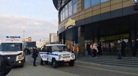 Мужчина с бензопилой и топором напал на посетителей ТЦ в Минске, есть жертва
