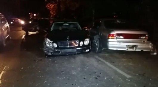 Массовое ДТП произошло на улице Гагарина в Алматы