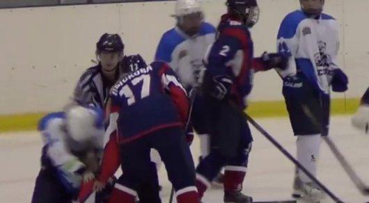 Вматче Женской хоккейной лиги произошла массовая драка
