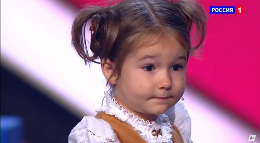 Четырехлетняя девочка-полиглот покорила интернет