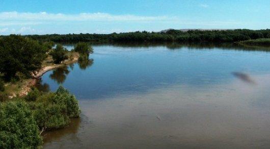 Младенец упал в реку Иртыш в Семее: Развернута поисковая операция