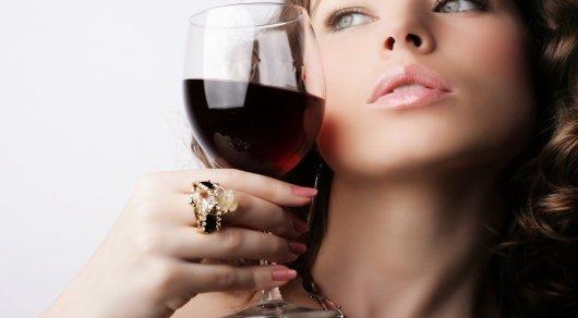 Женщины выпивают такоеже количество алкоголя, что имужчины