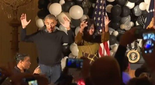 Обама с женой на Хеллоуин станцевал под Майкла Джексона