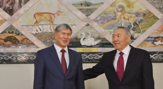 Назарбаев иАтамбаев обсудили саммит тюркоязычных стран в 2017
