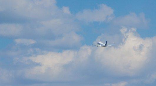 Летевший в столицуРФ самолёт совершил посадку вКазани из-за ухудшения самочувствия пассажира