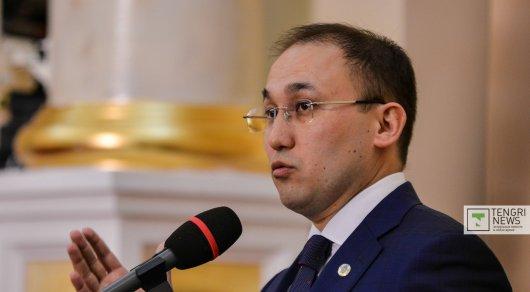 Назарбаев объявил, что небудет передавать власть по наследию