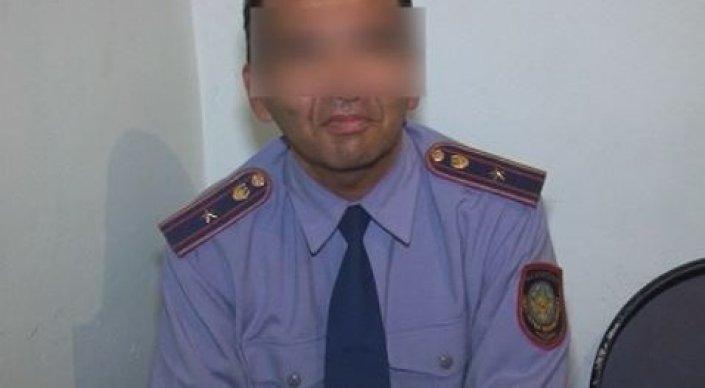 Чтобы понравиться девушке, житель Шымкента надел полицейскую форму
