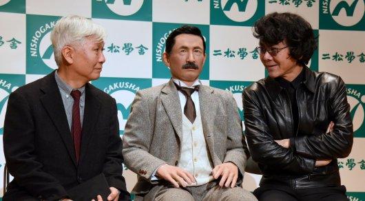 Робот-двойник известного японского писателя будет читать лекции