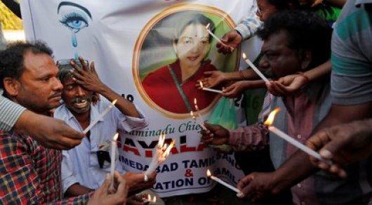 Число жертв отскорби поумершему министру штата вИндии достигло 470
