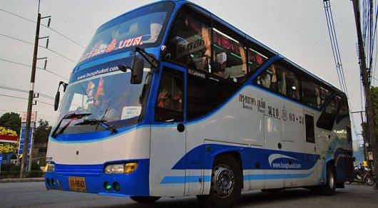 Автобус сказахстанскими туристками перевернулся вТаиланде