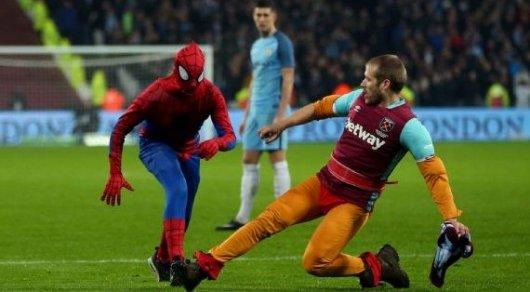 Человек-паук попытался сорвать матч между «Манчестер Сити» и«Вест Хэмом»