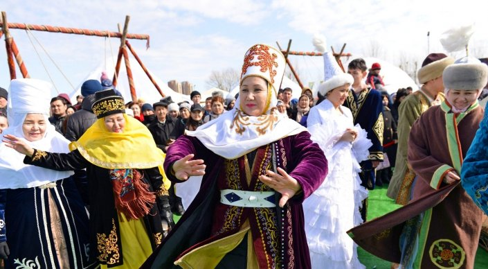 Правительство перенесло дни отдыха на Наурыз и День столицы