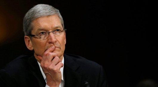 Руководитель Apple распродает свою долю из-за урезанной заработной платы