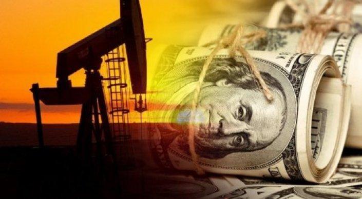 Цены на нефть сдвинулись с отметки в 55 долларов