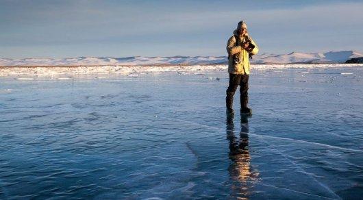 Фото напамять: девушка провалилась под лед из-за слабости кселфи