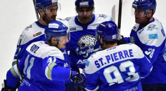 «Барыс» обыграл «Сибирь» ивышел вплей-офф КХЛ