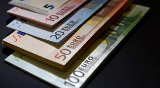 Евро рухнет при победе Ле Пен на выборах во Франции - эксперты