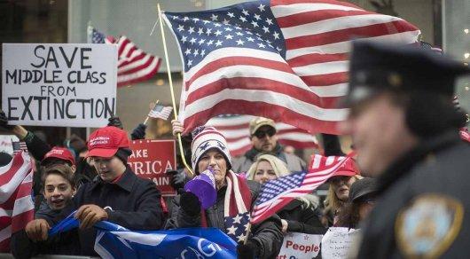 Полиция США задержала 20 человек после столкновений сторонников и противников Трампа