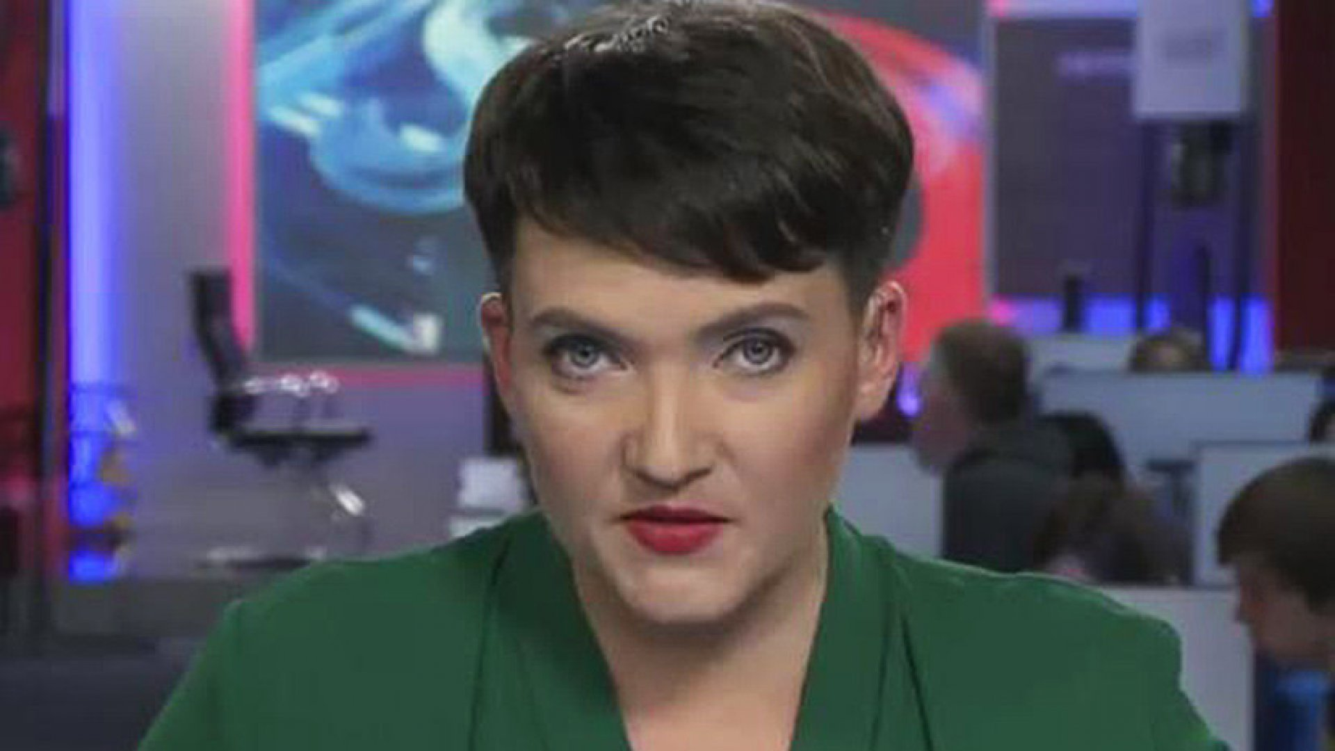 Савченко сменила имидж депутат показалась в платье и с макияжем