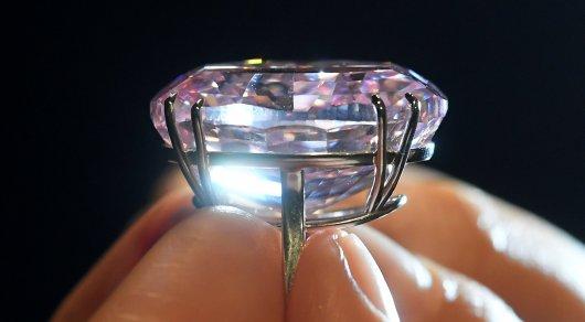 Самый дорогой вмире бриллиант продадут нааукционе 8