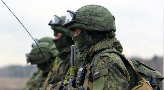 Шесть солдат погибли при нападении боевиков на часть в Чечне