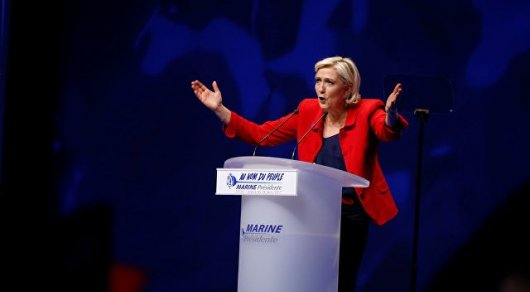Евро обвалится до 1 доллара в случае победы Ле Пен - аналитики