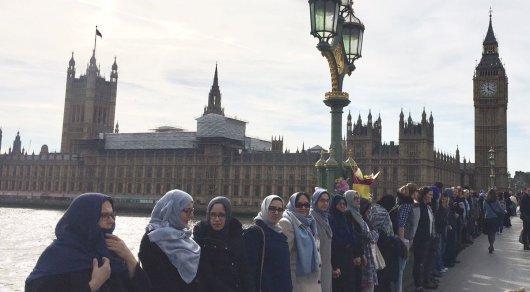 Поступок мусульманок после теракта растопил сердца лондонцев