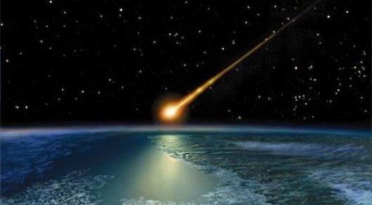 Астероид размером с автобус едва не столкнулся с Землей