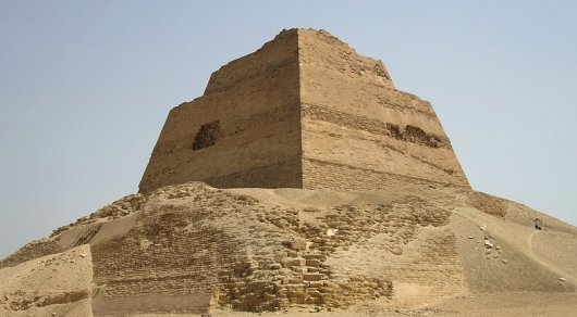 В Египте нашли остатки неизвестной древней пирамиды