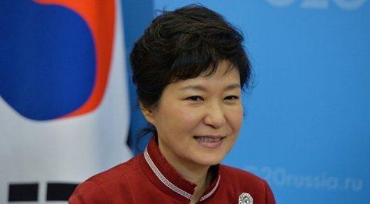 Экс-президенту Южной Кореи предъявлены обвинения вкоррупции