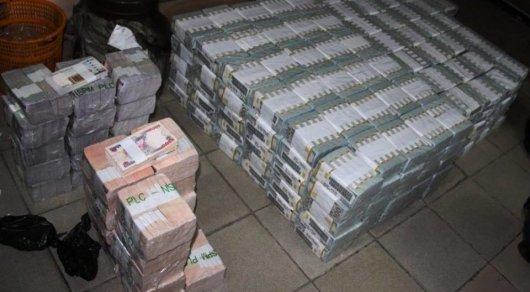 В заброшенной квартире нашли 43 миллиона долларов. Фото